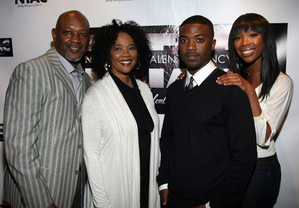 brandy453 Hot Shots: Brandy & Family Launch Talent Agency