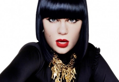 jessie j out e1305769167638 Jessie J Announces New UK Single