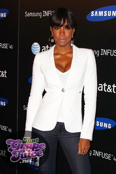 kelly3a Hot Shots: Kelly Rowland Beams At Samsung Launch