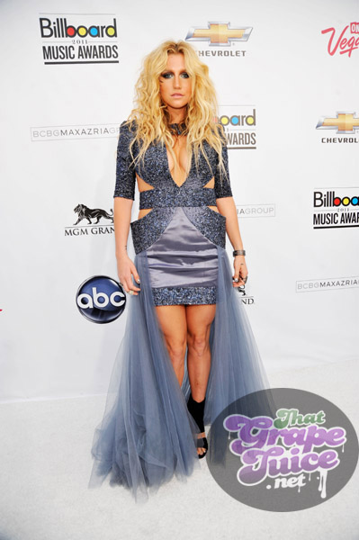 kesha2a Billboard Music Awards: Red Carpet