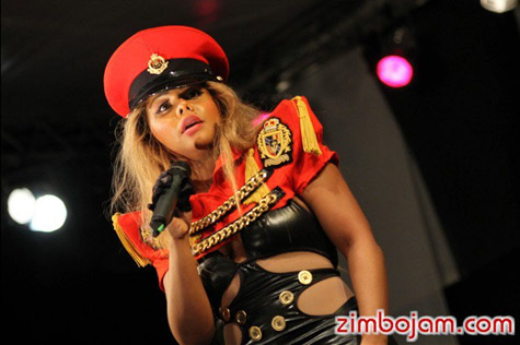 kim zim Hot Shots: Lil Kim Takes Control In Zimbabwe