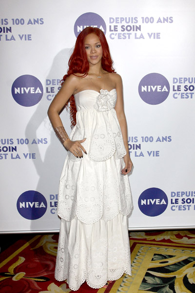 rihanna 123ww Hot Shots: Rihanna Tones It Down At Nivea Gala