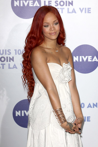 rihanna 67 Hot Shots: Rihanna Tones It Down At Nivea Gala
