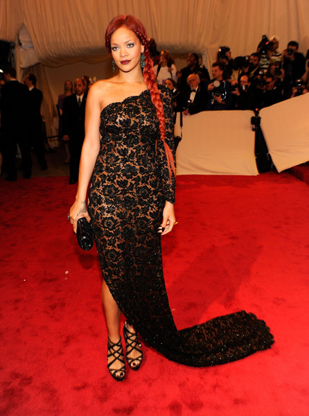 rihanna12a Hot Shots: Beyonce, Jay Z, Rihanna & More Shine At MET Ball