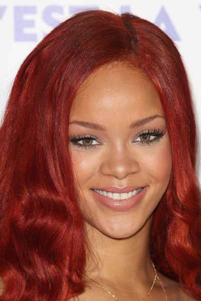riri 45 Hot Shots: Rihanna Tones It Down At Nivea Gala
