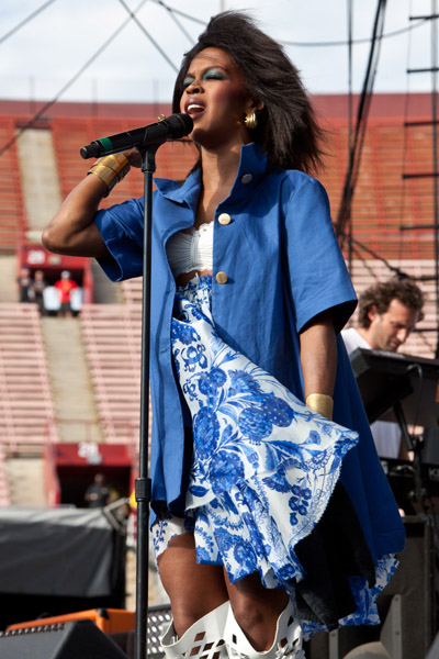 Lauryn Hill 1 Hot Shots: Lauryn Hill Wows Fans With First Post  Pregnancy Appearance
