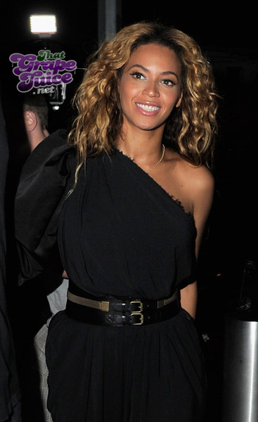 beyonce kelly Hot Shots: Destinys Child Reunite To Celebrate Here I Am Release