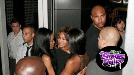 Hot Shot: Destiny's Child Embrace At 'Here I Am' Launch