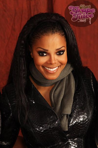 janet j12 Hot Shots: Janet Jackson Thrills London...And JLS