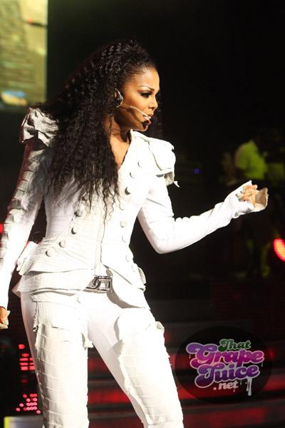 janet654 Hot Shots: Janet Jackson Thrills London...And JLS
