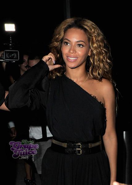 kelly 23 Hot Shots: Destinys Child Reunite To Celebrate Here I Am Release