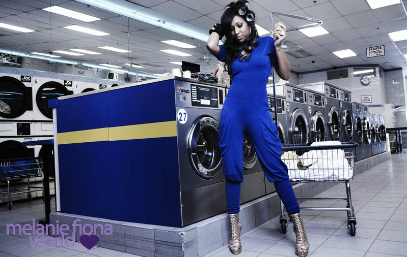 melanie fiona 2 Hot Shots: Melanie Fiona Strikes A Pose In New Promo Pics