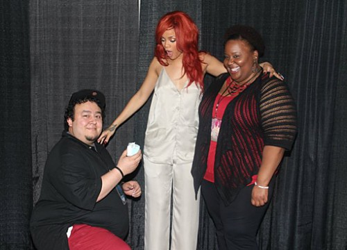rihanna-fan-proposes-3