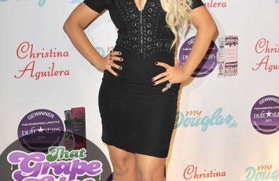 Hot Shots: Christina Aguilera Strikes A Pose At Perfume Launch