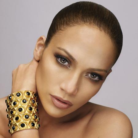 http://thatgrapejuice.net/wp-content/uploads/2011/08/7037_Jennifer_Lopez-2.jpg