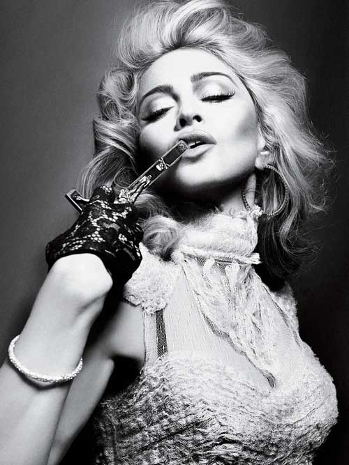 interview ns111 Report: Madonna To Perform At SuperBowl Half Time Show