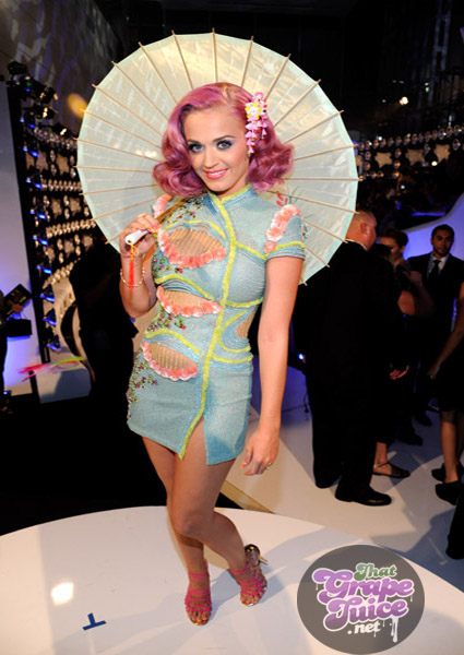 katymtv2 MTV Video Music Awards 2011:  Red Carpet