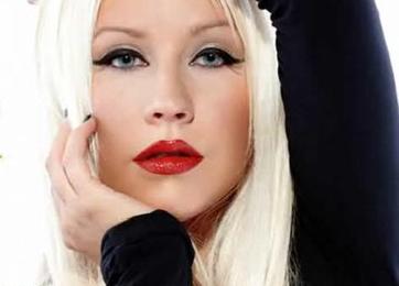 Watch: Christina Aguilera Performs At CLSA 2011
