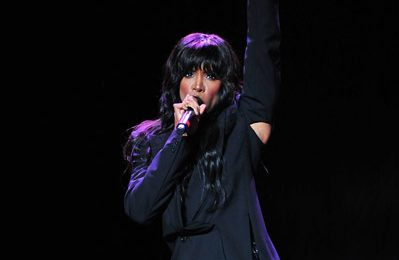 Hot Shot: Kelly Rowland Commands At The 'F.A.M.E' Tour