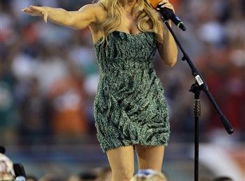 Fergie Performs US National Anthem