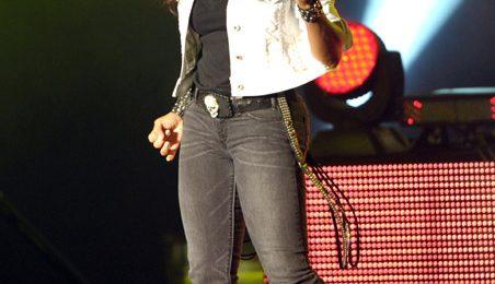 Hot Shots: Janet Jackson Sports New Do' In LA