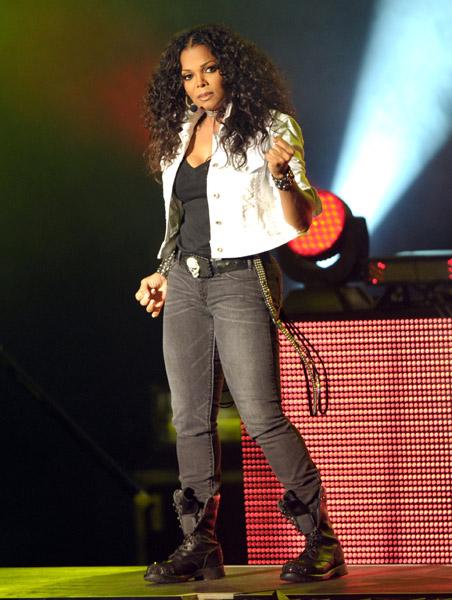 Hot Shots: Janet Jackson Sports New Do' In LA - That Grape Juice