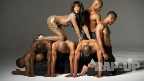 Hot Shots: Kelly Rowland Brings Sexy Back (And Elephant) With 'Lay It On Me' Video
