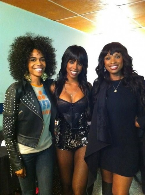 kelly michelle jennifer e1316859900177 Hot Shot: Michelle Williams & Jennifer Hudson Visit Kelly Rowland At F.A.M.E Tour