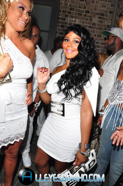 lisaraye all white 1 Hot Shots:  The Queen Bee Beams At All White Affair