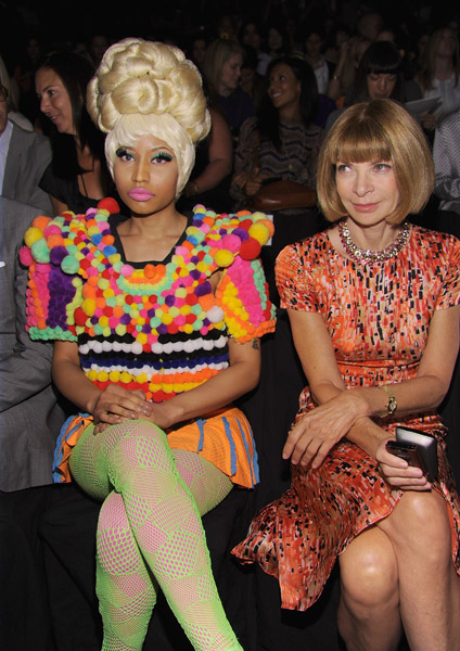 nicki and anna1 Hot Shots: Nicki Minaj Gets Fashion Forward With Anna Wintour