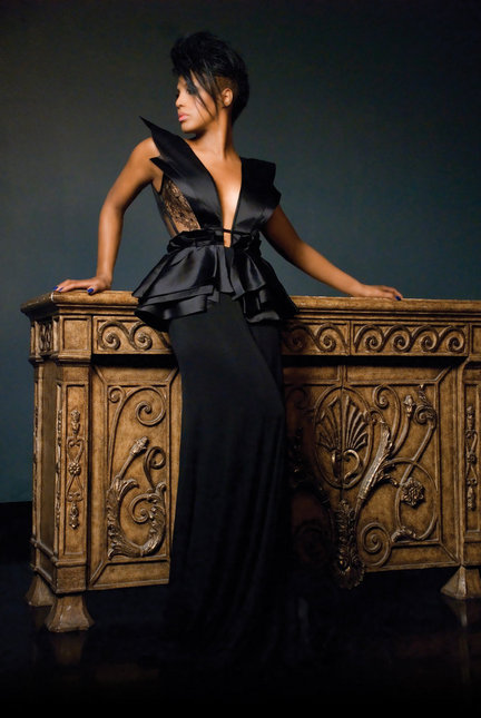 toni braxton new main pub photo by walter tabayoyongjpg aa444d2b8828fc88 large Toni Braxton Signs New Management Deal