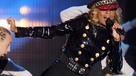 Hot Shots: Mary J. Blige Storms The Halo Awards