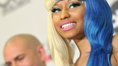 Hot Shots: Nicki Minaj 'Busts Out' At American Music Awards Press Conference