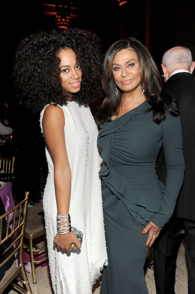hot shots solange and tina knowles support cancer