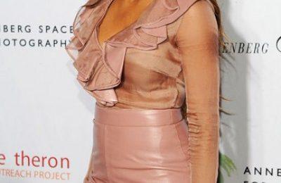 Hot Shots: Ciara Strikes Pose At Africa Outreach