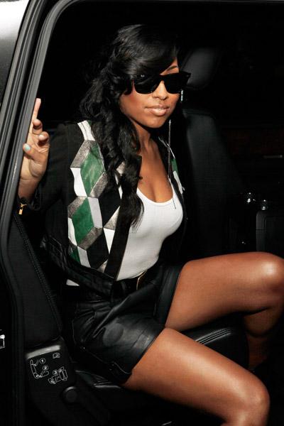 melanie car Hot Shots: Melanie Fiona Ups Her Diva
