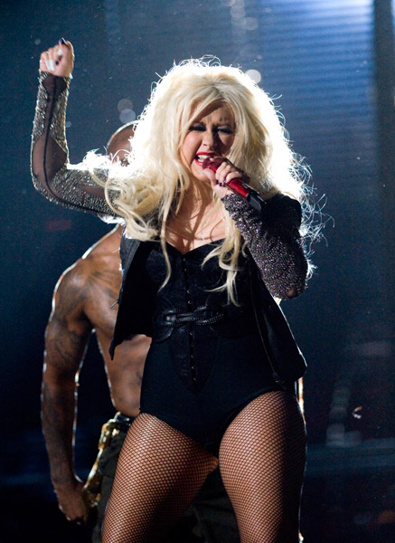 xtina 7m Watch: Christina Aguilera Performs Dirty Diana At Jackson Tribute