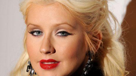 Hot Shots: Christina Aguilera Supports 'The Elder Scrolls'