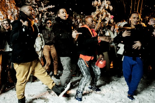 JLS DoYouFeelWhatIFeel photoby IdilSukan DrawHQ 19 e1322137544955 Hot Shots: JLS Play In The Snow For New Video