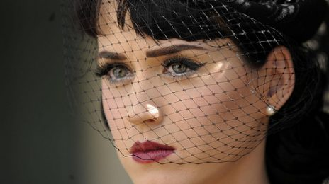 Katy Perry  Cuts Ties With Dr. Luke