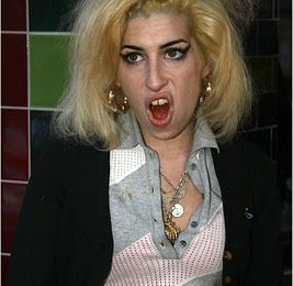 Amy Winehouse Looking....