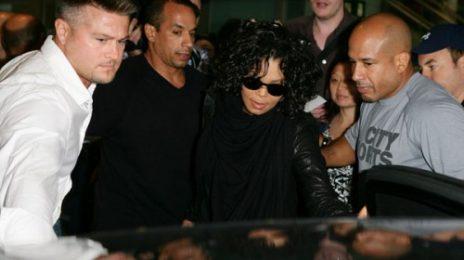 Hot Shots: Janet Jackson Causes Fanfare Down Under