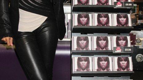 Hot Shots: Kelly Rowland Beams at London Album Signing