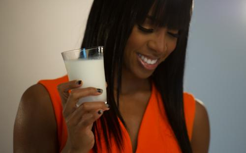 kelly rowland milk 9 Kelly Rowland Unveiled As Face Of Make Mine Milk