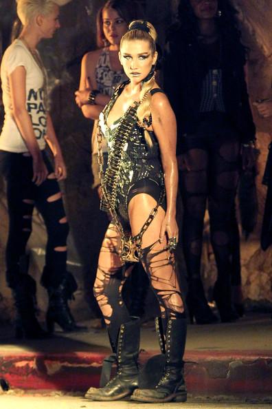 kesha4 Hot Shots: Ke$ha On The Set Of We R Who We R Video