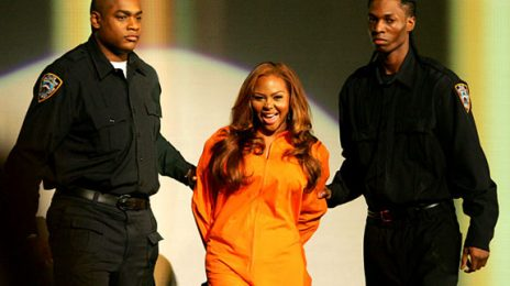 Lil' Kim Cooking Up Documentary, New Book?