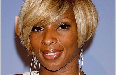 Mary J. Blige Foots Bill For Young Shopper