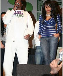 LeToya and Matthew Knowles Reconcile On Stage
