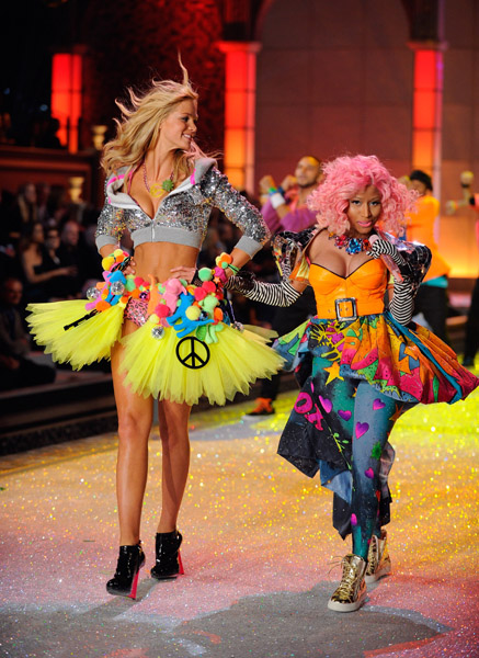 nicki minj 889 Hot Shots: Nicki Minaj Struts Her Stuff For Victorias Secret