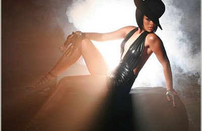 Rihanna Tops Billboard Hot 100